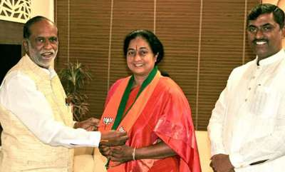 latest-news-congress-leaders-wife-joins-bjp-only-to-return-in-10-hours