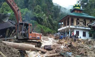 latest-news-after-earthquake-and-tsunami-indonesia-faces-heavy-flood
