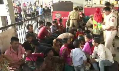 latest-news-31-bangladeshi-nationals-who-worked-in-bengaluru-detained-at-guwahati-railway-station