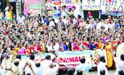 latest-news-sabarimala-women-entry-issue-protest-at-nilackal