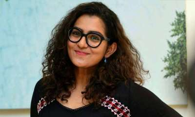 latest-news-parvathy-about-assault-in-young-age