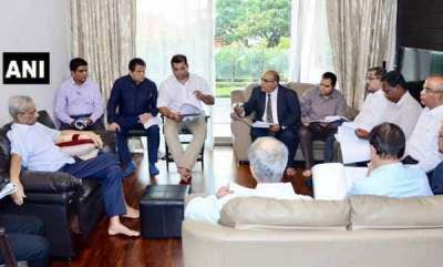 latest-news-manohar-parrikar-chairs-meet-at-home-minister-says-he-is-in-good-health
