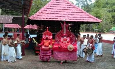 latest-news-temple-entry-for-women-in-kannur-keechery-palottukavu