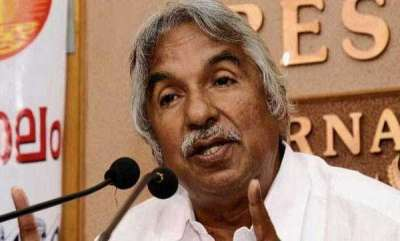 latest-news-former-chief-minister-oommen-chandy-criticize-media-restriction-in-sabarimala