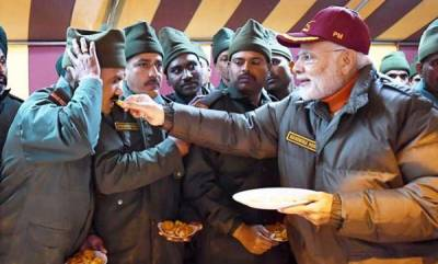 india-pm-celebrates-diwali-with-soldiers-in-harshil-near-india-china-border