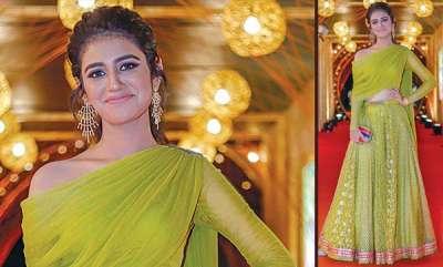latest-news-priya-warriers-new-look-sizzling-in-fashion-world
