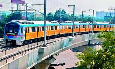 latest-news-young-lady-attempts-suicide-by-jumping-off-metro-station