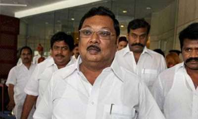 latest-news-mk-alagiri-supporter-hacked-to-death-in-madurai-police