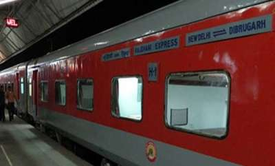 latest-news-indian-railways-suffers-losses-as-passengers-steal-towels-bedsheets-blankets-from-trains