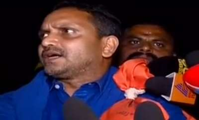 latest-news-k-surendran-blocked-in-nilackal-by-police-team