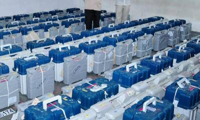 latest-news-in-mps-satna-suv-rams-into-evm-strongroom