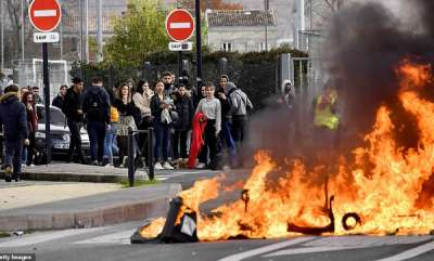 latest-news-macron-surrenders-to-the-rioters