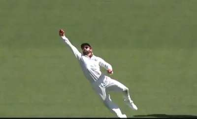 sports-news-india-vs-australia-virat-kohli-takes-one-handed-stunner-to-remove-peter-handscomb-watch
