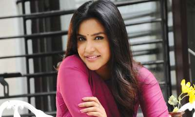 celebrity-priya-anand-about-mohanlal
