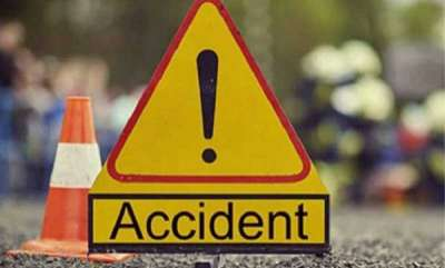 kerala-one-dead-four-injured-in-alappuzha-traveler-accident