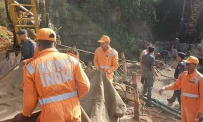 latest-news-15-miners-struggling-for-air-pm-poses-for-cameras-rahul-gandhi-tweets