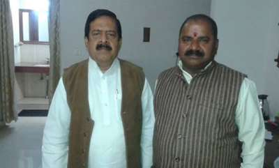 latest-news-ramesh-chennithala-meets-rss-pracharak