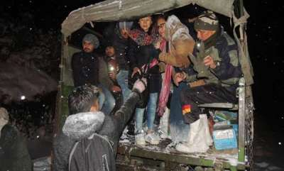 latest-news-indian-army-rescues-150-tourists-stranded-in-sikkim