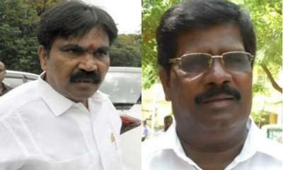 latest-news-two-independent-mlas-withdraw-support-for-congress-jds-govt