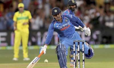 sports-news-ms-dhonis-illegal-run-spotted-by-adam-gilchrist-during-adelaide-chase
