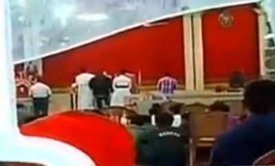 latest-news-fight-between-orthadox-jacobites-15-injured-in-mannamangalam-church