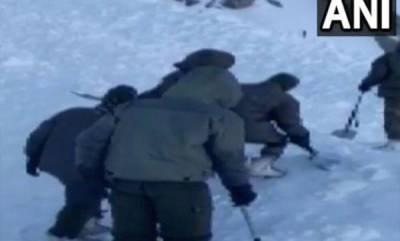 india-3-killed-7-missing-as-avalanche-hits-ladakhs-khardung-la