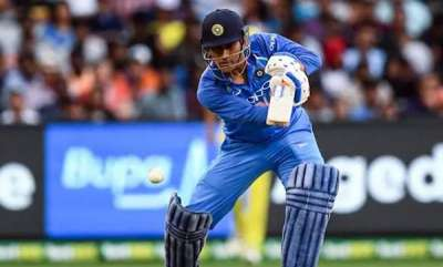latest-news-india-vs-australia-live-score-3rd-odi-ms-dhoni-scores-3rd-fifty-in-a-row-india-cruising-at-mcg