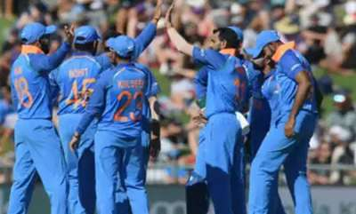 sports-india-bowl-out-nz-for-157-in-first-odi