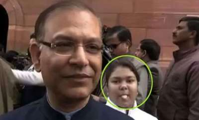 latest-news-minister-jayant-sinha-hilariously-photobombed-video-goes-viral