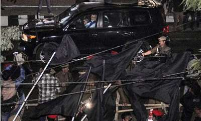 latest-news-pm-modi-braves-black-flags
