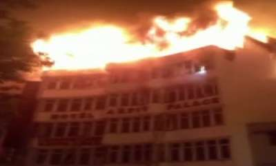 latest-news-9-dead-as-fire-breaks-out-at-delhi-hotel-rescue-operations-underway