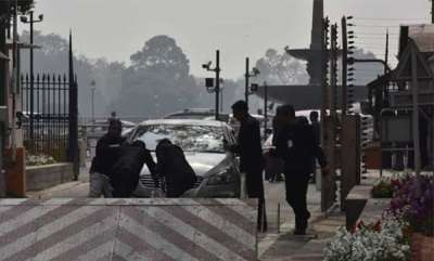 latest-news-manipur-mps-car-rams-barricade-at-parliament