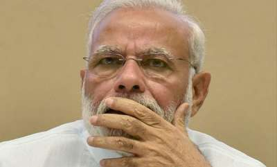 latest-news-we-want-educated-people-for-prime-ministers-post-kejriwal-taunt-modi