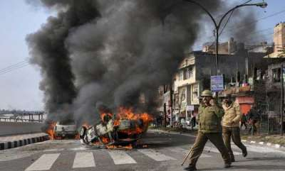 latest-news-curfew-in-jammu-after-mob-violence-over-pulwama-attack