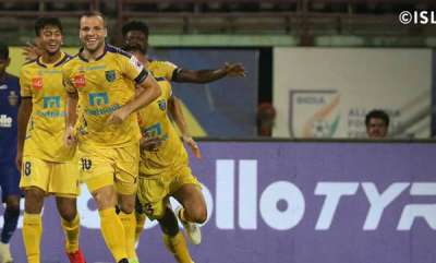 latest-news-kerala-blasters-vs-chennaiyin-fc-kerala-2-0-chennaiyin-in-second-half