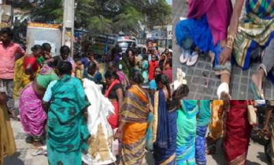 latest-news-telangana-shops-crazy-offer-on-sarees