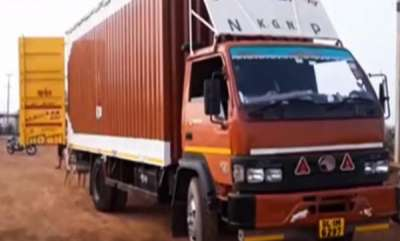 latest-news-truck-carrying-xiaomi-phones-worth-rs-1-cr-robbed-in-andhra