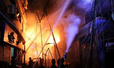 india-69-killed-as-massive-fire-breaks-out-in-chemical-warehouses-in-bangladesh-capital