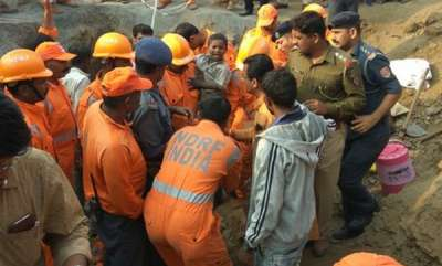 latest-news-6-year-old-boy-trapped-in-200-feet-borewell-rescued-in-maharashtra