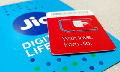tech-news-jio-adds-85-lakh-subscribers-in-december-airtel-vodafone-idea-lose-users