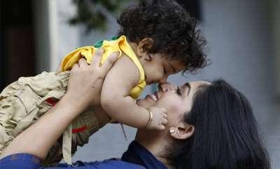 latest-news-kavya-madhavans-daughter-viral-video