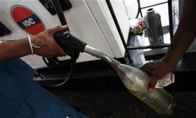 latest-news-police-recommendation-for-petrol-in-bottle