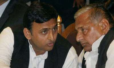 latest-news-sc-issues-notice-to-cbi-asks-for-report-on-investigation-against-sp-leaders