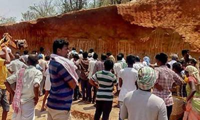 latest-news-10-workers-buried-alive-under-mound-of-mud-in-telangana