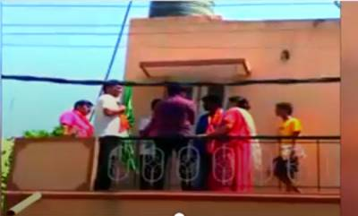 latest-news-bengaluru-bjp-workers-ask-woman-to-remove-islamic-flag