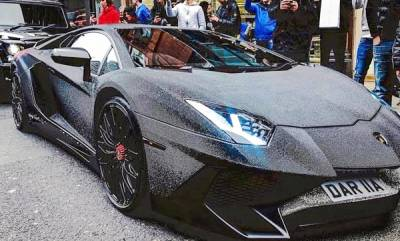 auto-russian-instagram-model-covers-lamborghini-with-2-million-swarovski-crystals