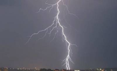 latest-news-lightning-and-thunderstorms-alert