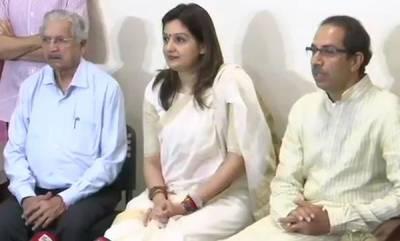 latest-news-congress-senior-spokeperson-priyanka-chathurvedi-joins-sivasena