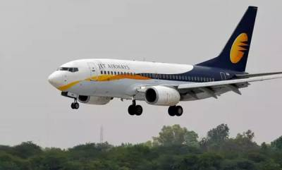 latest-news-spicejet-hires-100-pilots-400-cabin-and-technical-staff-from-jet-airways