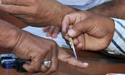 kerala-brisk-polling-in-kerala-complaints-of-technical-glitches-in-booths